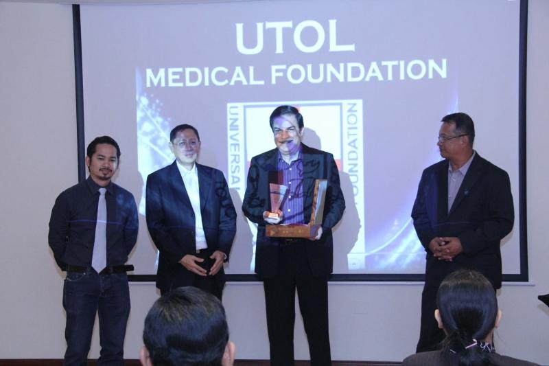 Peter Kairuz President CBN Asia 700 Club receive award of appreciation from UTOL USA & UAE